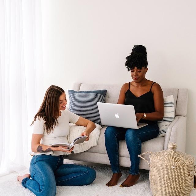 Working-Friends-No-Stress